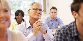 Beschäftigte müssen weiterqualifiziert werden, um den Unternehmen auch langfristig erhalten zu bleiben.