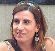 zeigt Manuela Mendonca