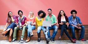 Ausbildung statt Studium? Vielfältige Möglichkeiten auf dem Arbeitsmarkt.