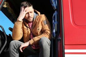 Teaser LKW Fahrer traurig müde Arbeitsmarkt