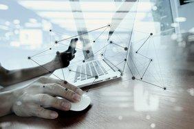 Laptop Digitakisierung Smartphone Maus Teaser